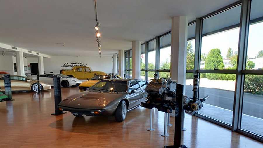 موزهی لامبورگینی. با نصب دوربینهای گوگل استریت ویو در موزهی لامبورگینی، علاقهمندان خودرو و بهطور خاص لامبورگینی میتوانند توری مجازی در آن داشته باشند