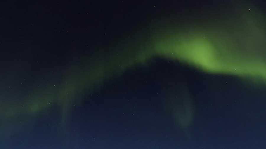 شفق قطبی. اگر نمیتوانید شفق قطبی را از نزدیک و در دنیای واقعی ببینید، تماشای آن به کمک گوگل استریت ویو در دریاچهی منجمد پیتکایاروی (Pitkäjärvi) فنلاند، بهترین گزینهی ممکن است.