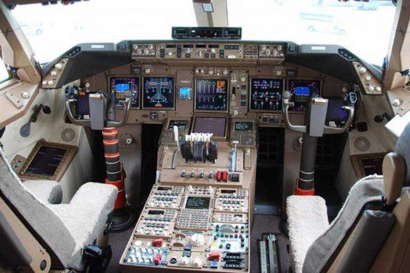 Boeing ۷۴۷-۸ (21)