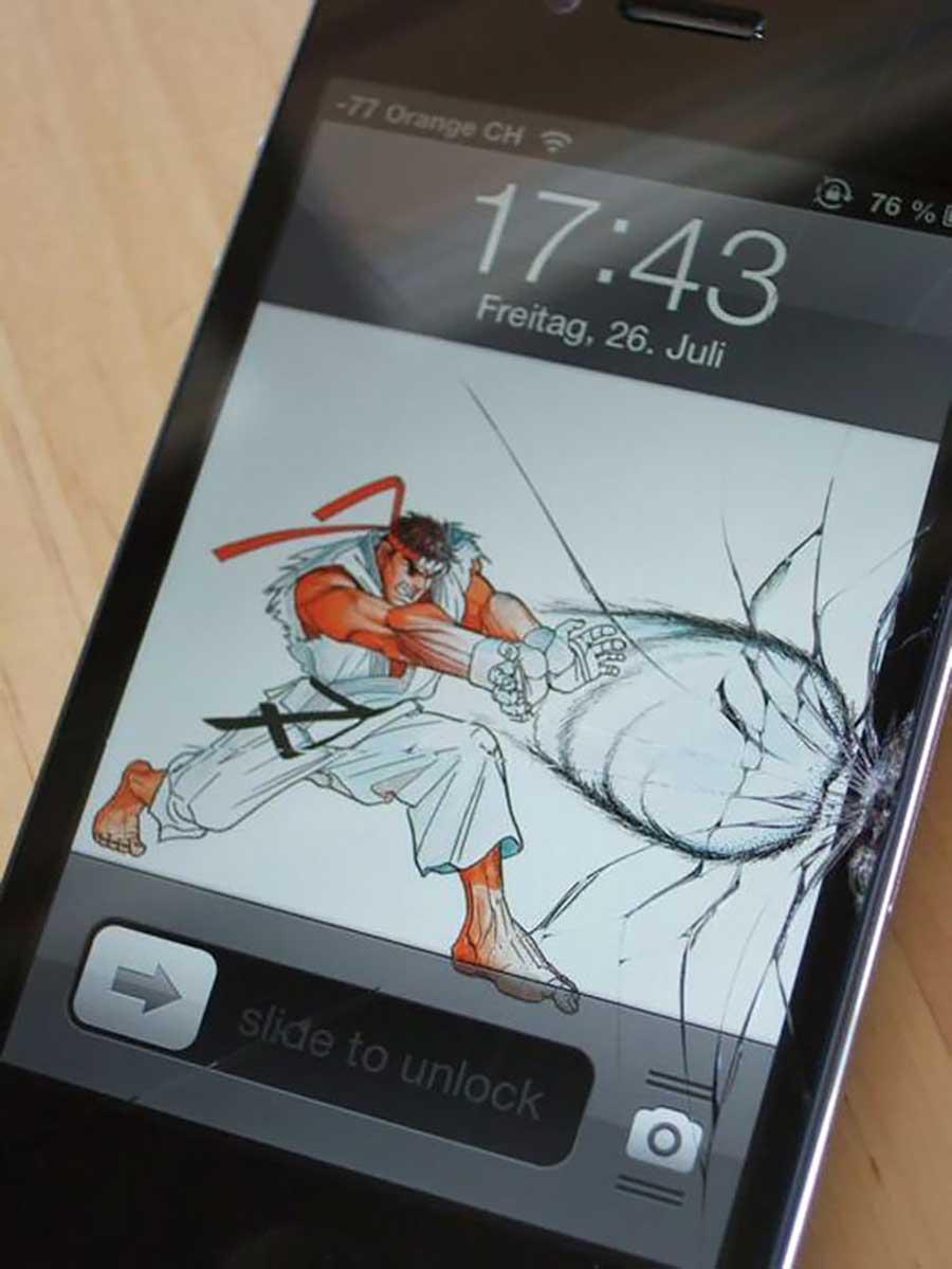 بیش از 10 تصویر خلاقانه برای تعمیر گوشی شکسته