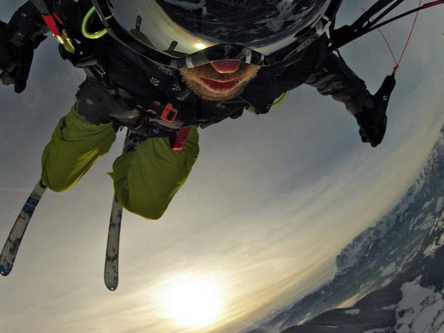 پرواز مانوئل گیندی در کوهستان