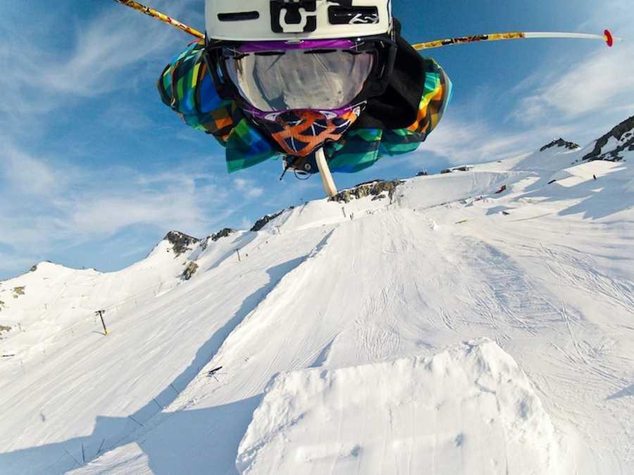 یکی از اعضای تیم GoPro در حال پرواز