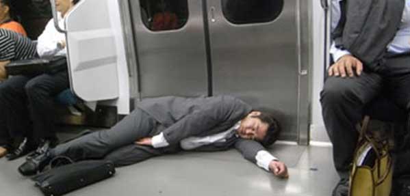 خواب روزانه کارمندان ژاپنی