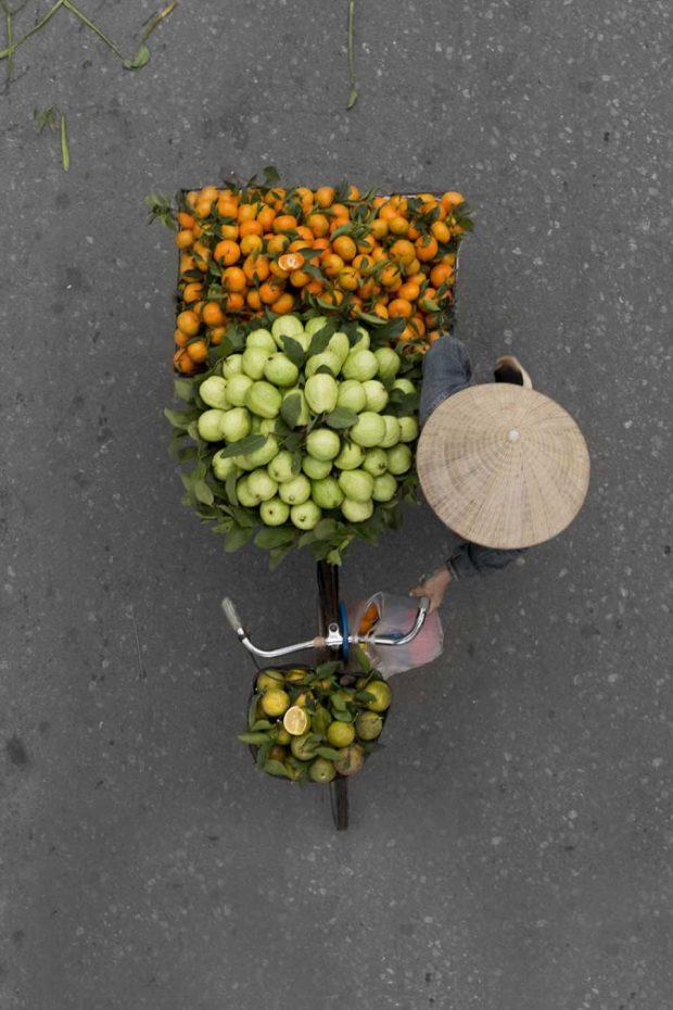 عکاسی از فروشندگان دوره گرد در شهر هانوی