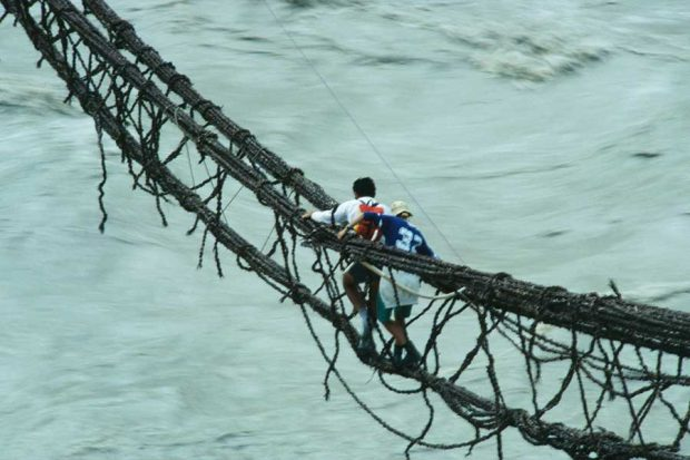 تصاویری از خطرناک ترین و پر هیجان ترین پل های عابر پیاده در جهان