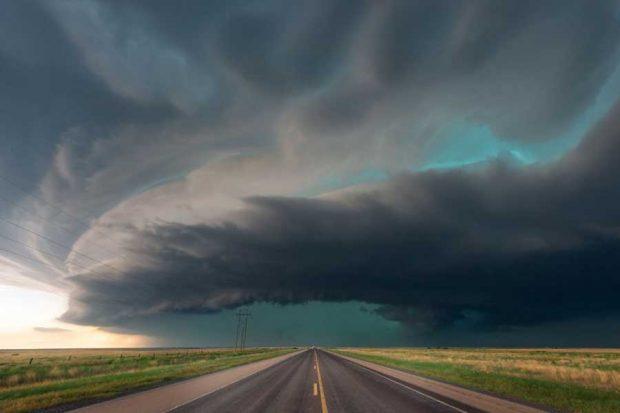 طی مسافت 80 هزار کیلومتری برای ثبت زیباترین تصاویر طوفان های زمینی