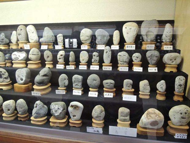 موزه ای از سنگ های با شکل و شمایل انسانی!موزه ای از سنگ های با شکل و شمایل انسانی!