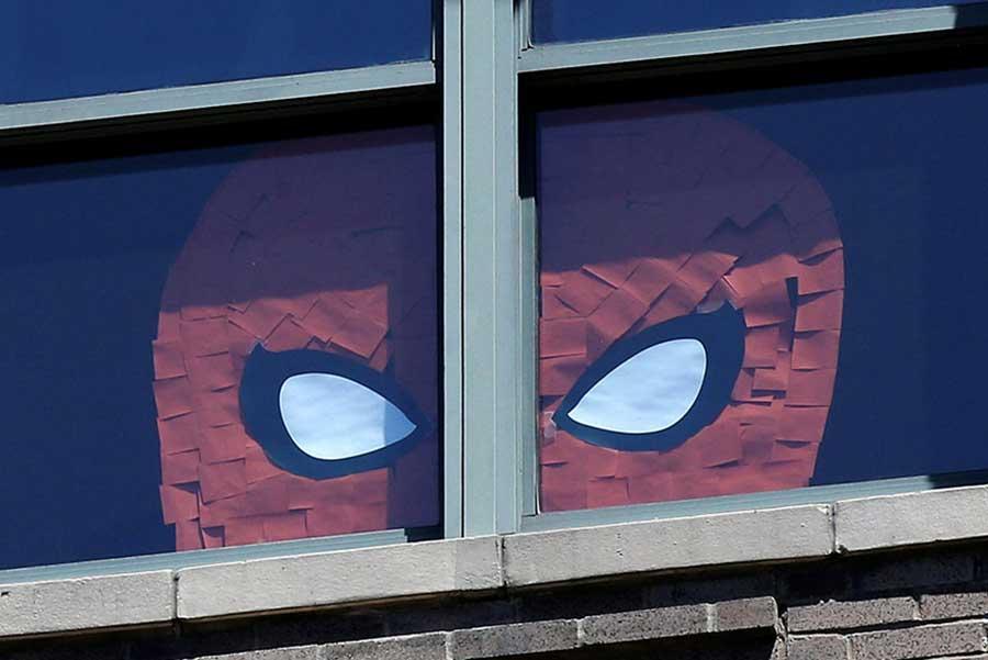 جنگ اداری خلاقانه بین دو ساختمان در منهتن
