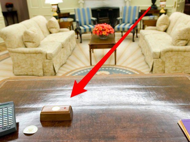 دکمه قرمز میز رئیس جمهور آمریکا
